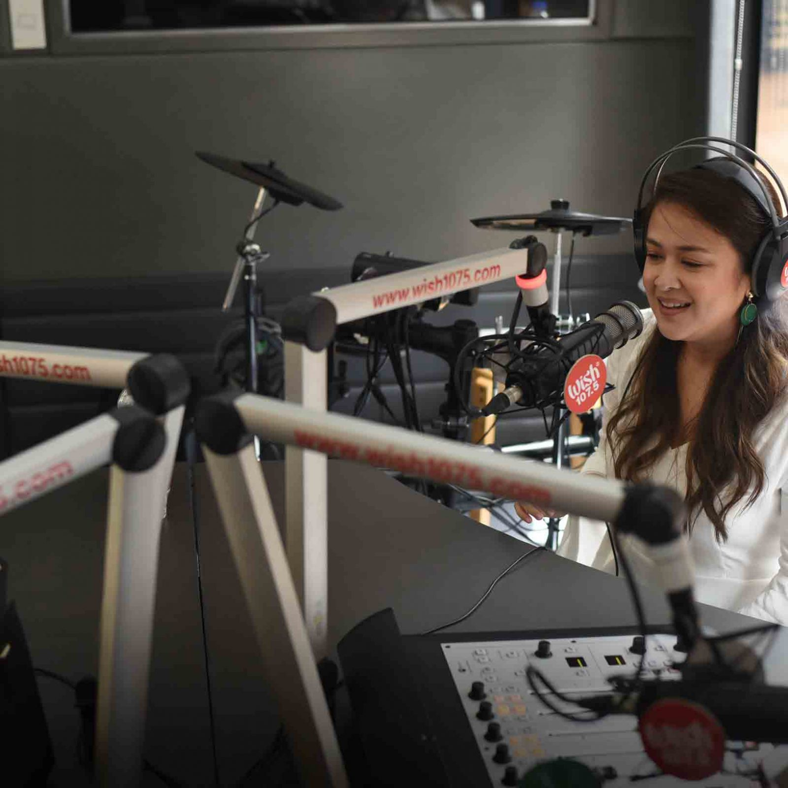 """Lady belter Milla Poblete joins the anniversary bash with her single, """"Paano"""" and a cover of Jessie J's """"Domino"""".  (Photo courtesy of Photoville International)"""