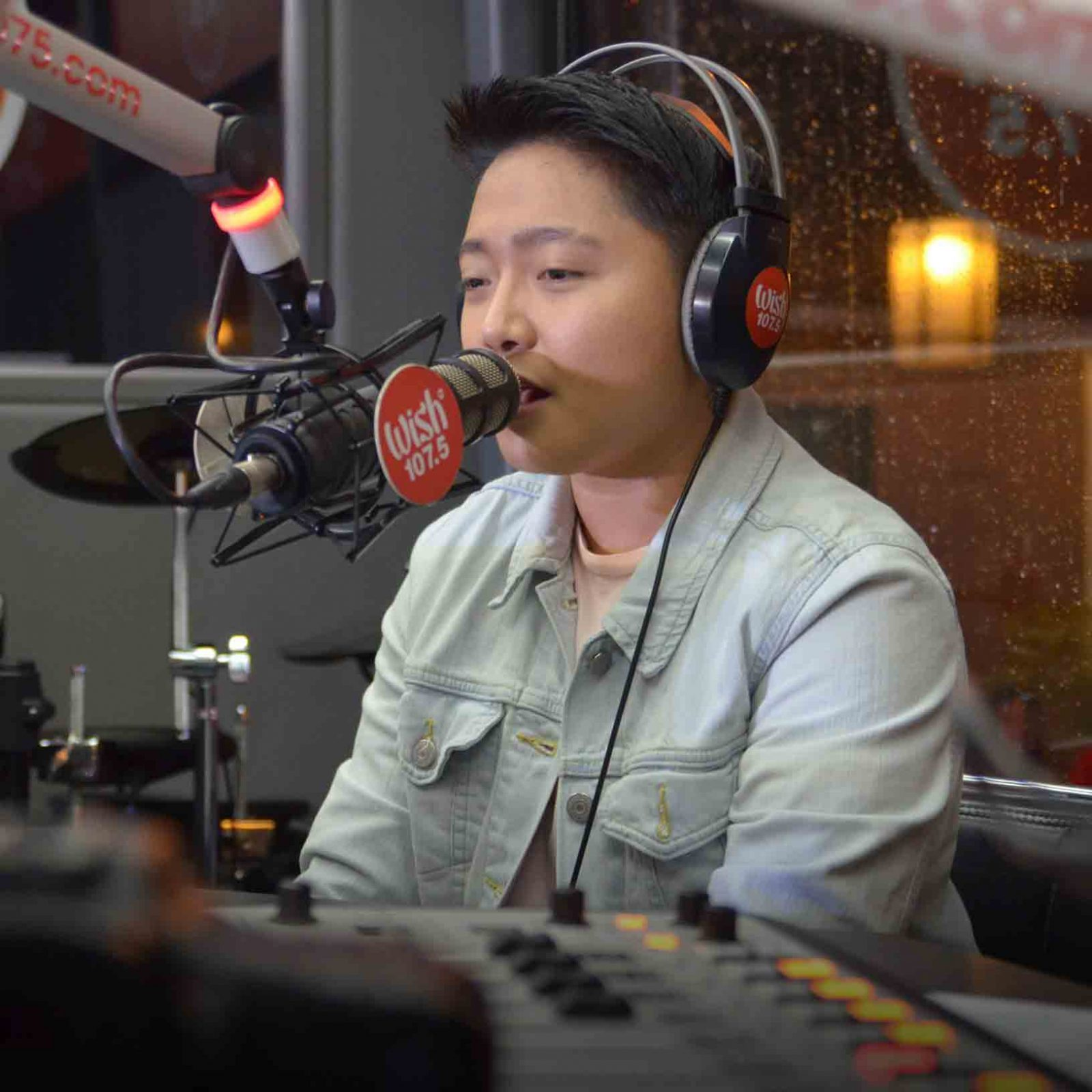 """Jake Zyrus' first-ever performance on the Wish Bus is an impressive and memorable one. He sang """"Hiling"""" and Simple Plan's """"Perfect"""" during the anniversary concert.  (Photo courtesy of Photoville International)"""