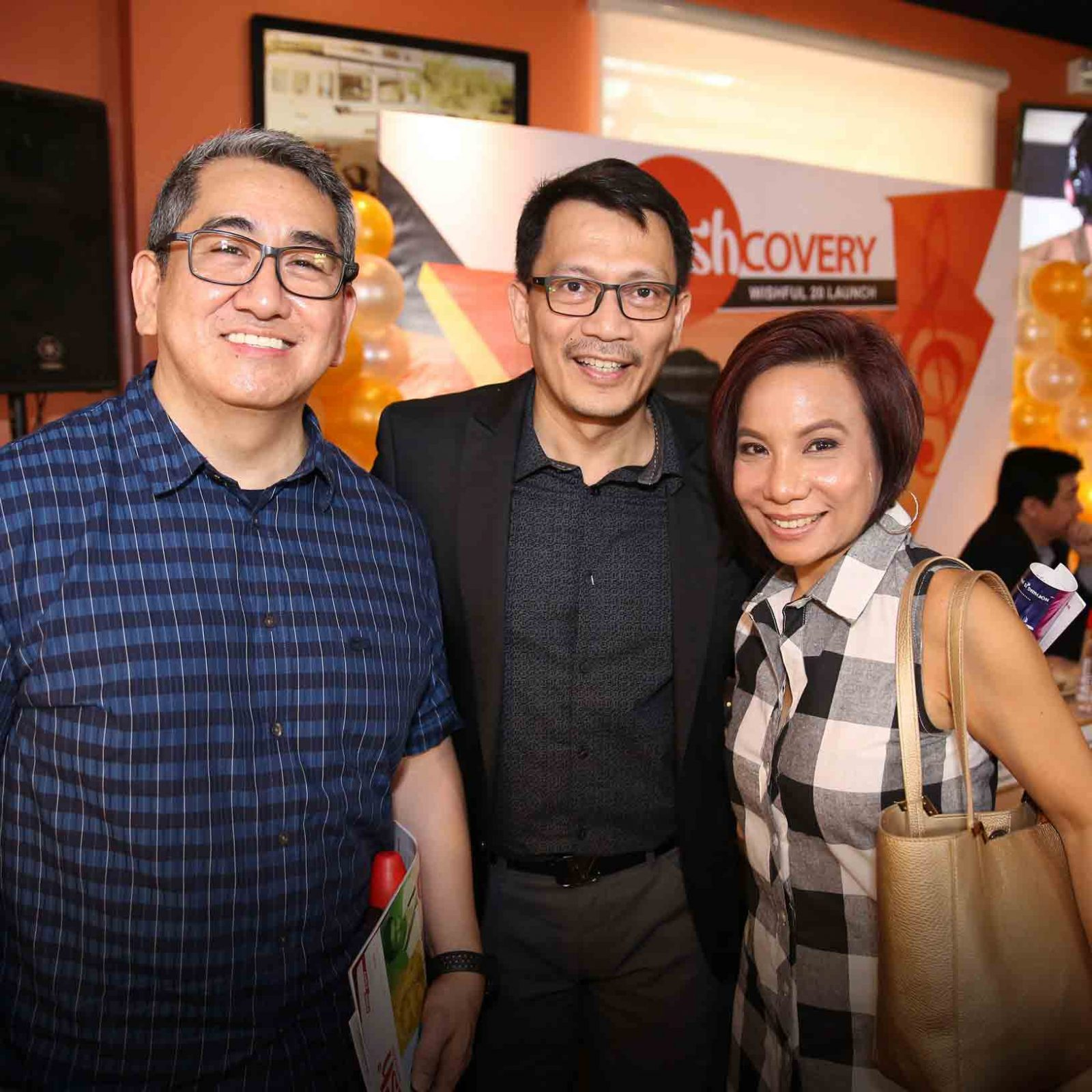 (L-R) Mr. Jungee Marcelo, Kuya Daniel Razon, and Ms. Annie Quinto pose for a quick snapshot during the Wishcovery press conference held on August 31, 2017.   (Photo courtesy of Photville International)