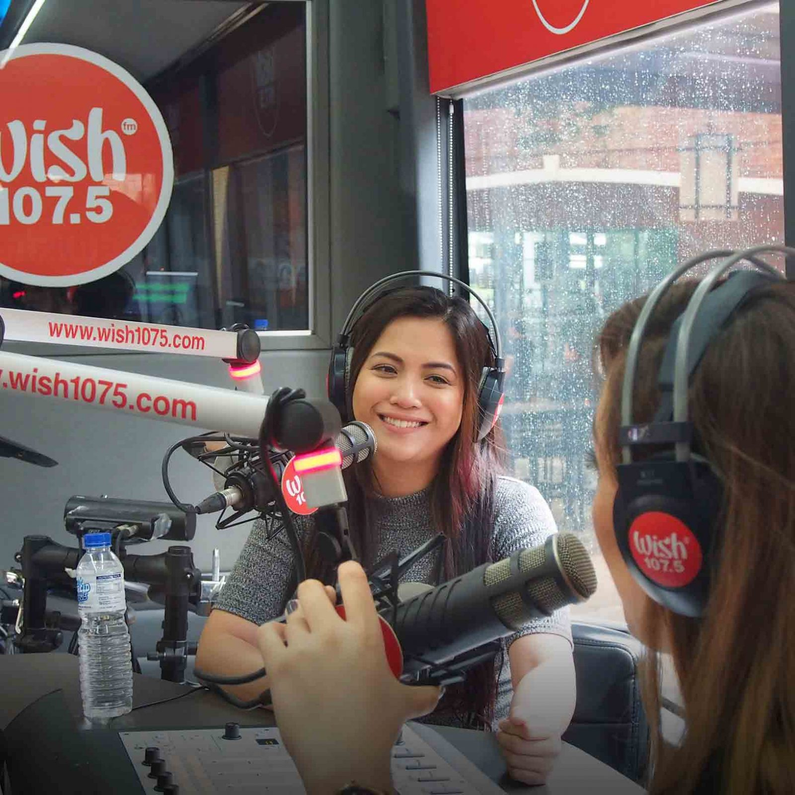 Versatile performer Janelle Jamer kicks off Wish 107.5's third-anniversary celebration and answers some fun and engaging questions from DJ Alice of the radio show The Wonderland.   (Photo courtesy of Photoville International)