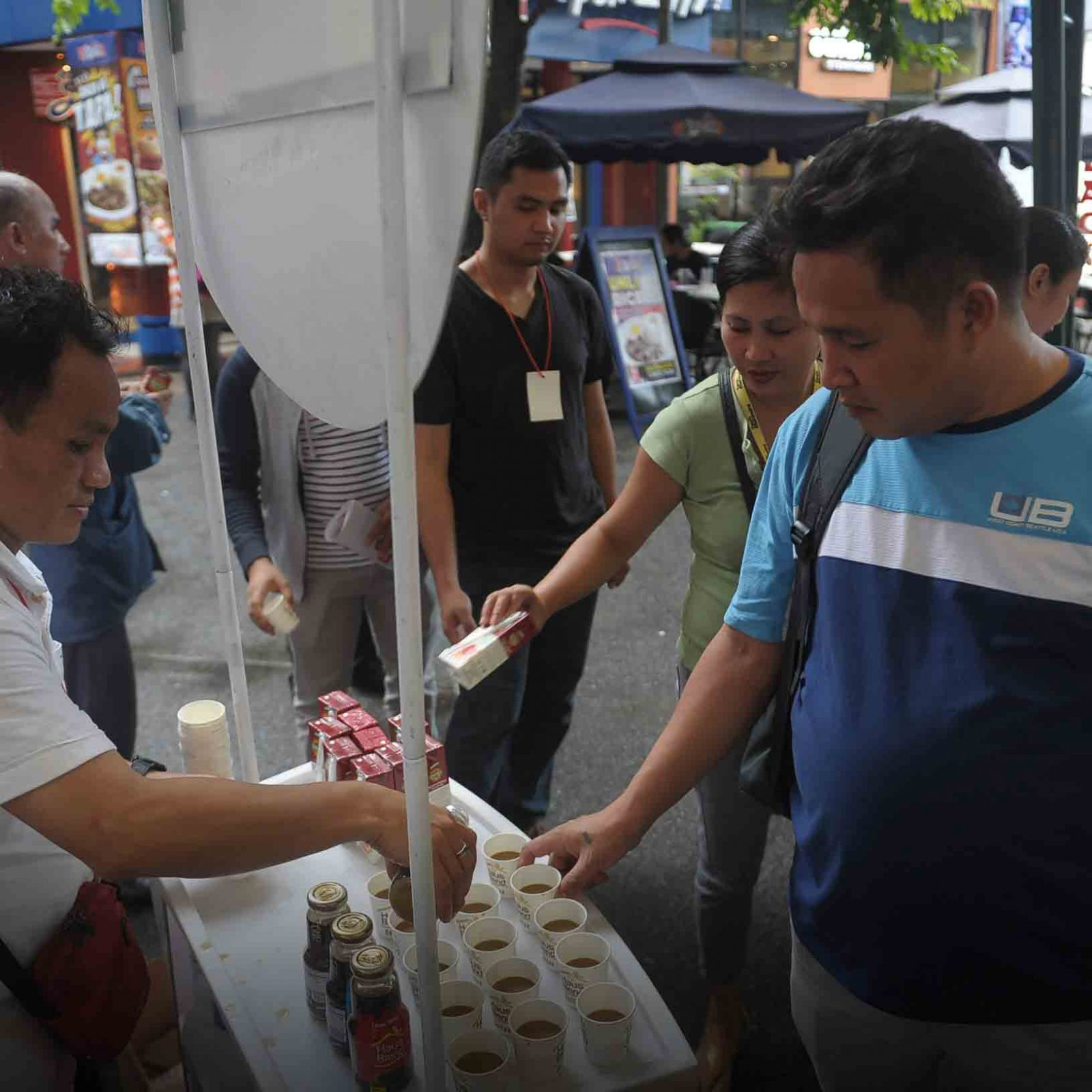 Wishers not only enjoyed great music but great refreshments and treats as well from Wish 107.5's generous sponsors.   (Photo courtesy of Photoville International)